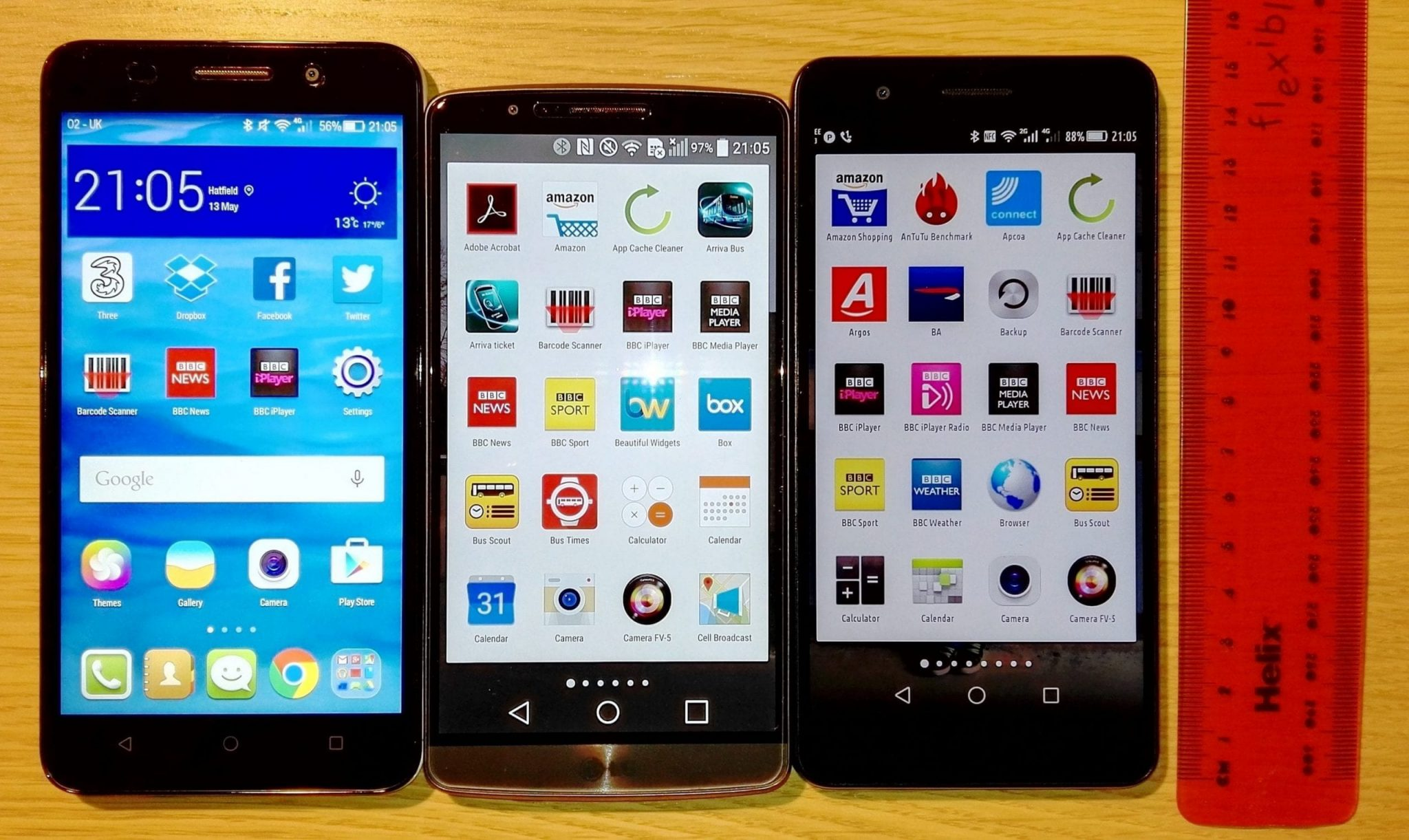 How they compare: Honor 4X left, LG G3 middle, Honor 6 Plus right