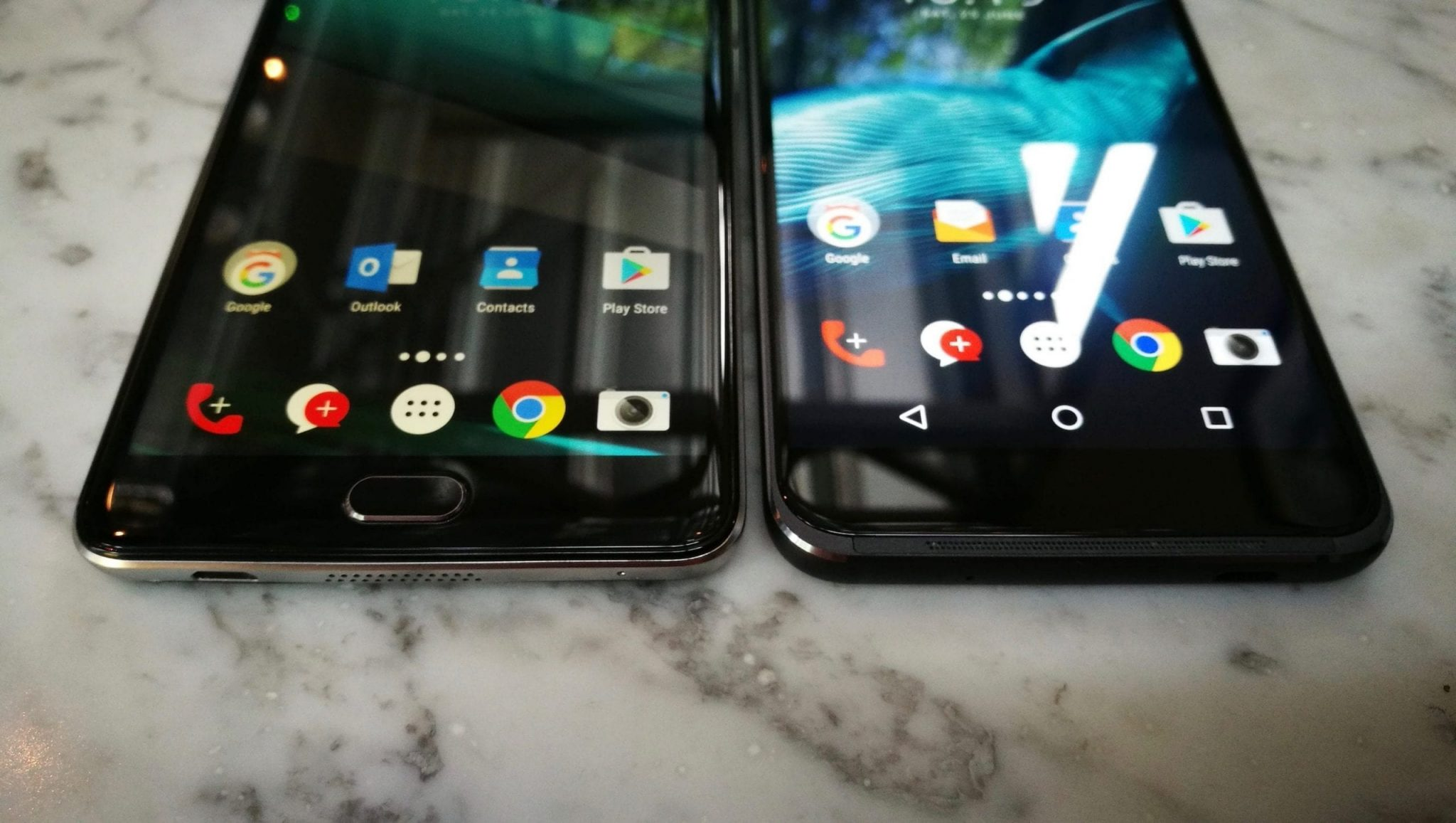 Vodafone Smart Ultra 7 left - Smart Platinum 7 right